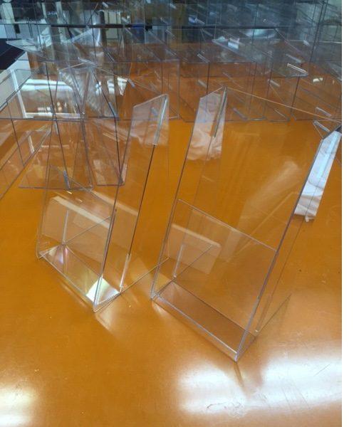 ペット樹脂 A4 三つ折りカタログケース